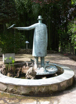 Moulin_garden_fountain