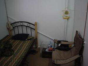 Iraq_scott5_barracks_inside