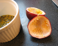 Passion_fruit_open_1